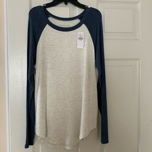 NWT American Eagle plush soft and sexy tee size XS